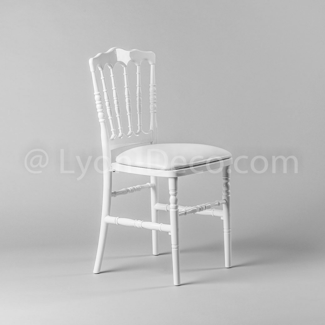 Location chaise napoleon 3 blanche idale pour gala ou for La chaise blanche