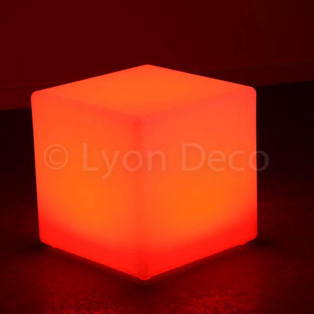 location cube lumineux 40cm 6 couleurs led sur batterie. Black Bedroom Furniture Sets. Home Design Ideas