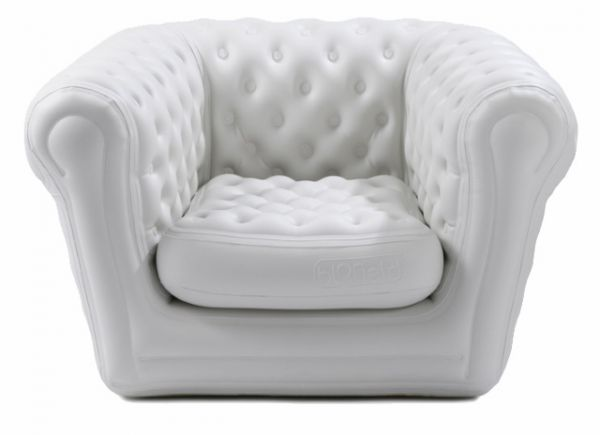 Location fauteuil chesterfield gonflable blanc crme - Canape gonflable exterieur ...