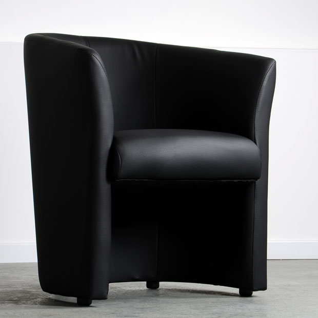 location fauteuil club lounge noir disponible sur lyon et vienne lyon deco. Black Bedroom Furniture Sets. Home Design Ideas
