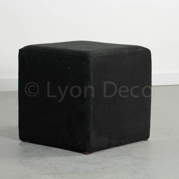 Lyon deco location pouf carr noir en velours disponible sur lyon et vienne for Pouf carre noir ikea