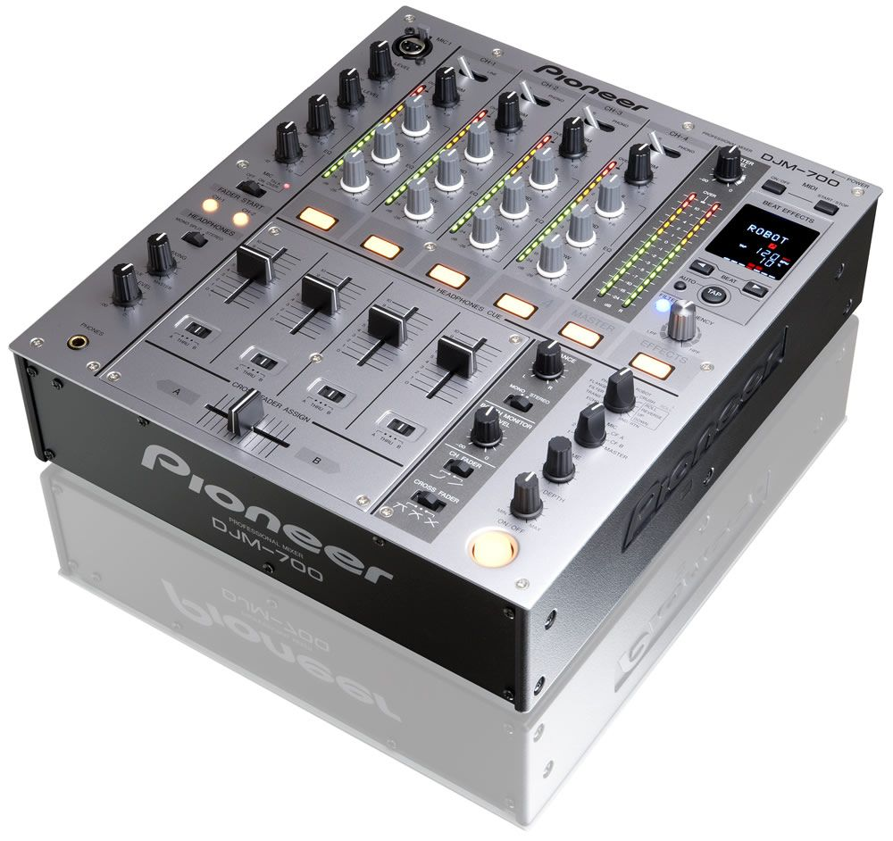 location table de mixage pioneer djm 700 avec 4 voies audio. Black Bedroom Furniture Sets. Home Design Ideas