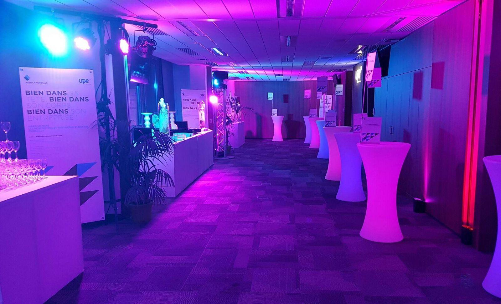 Location mange debout lumineux + buffet design lycra