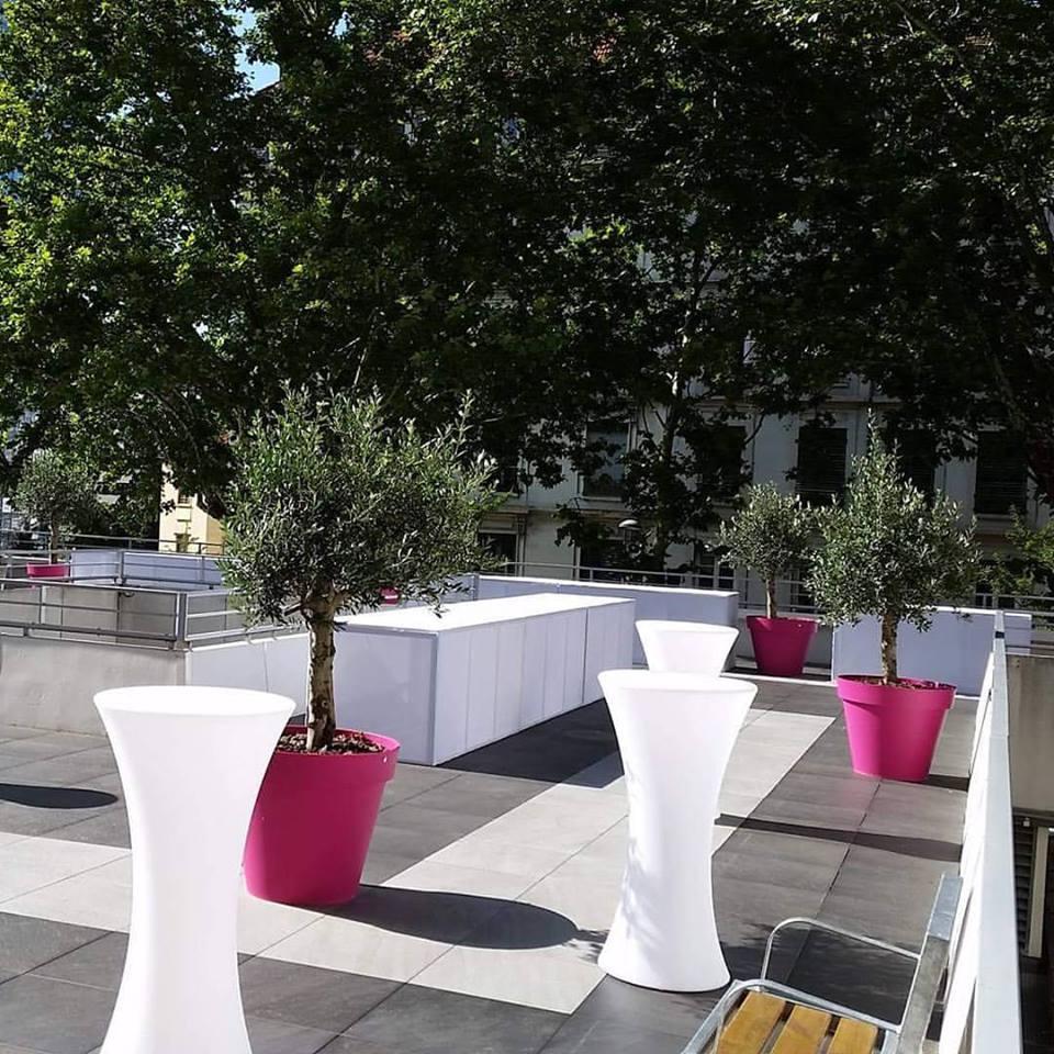Location buffet Lycra design + mange debout sur terrasse